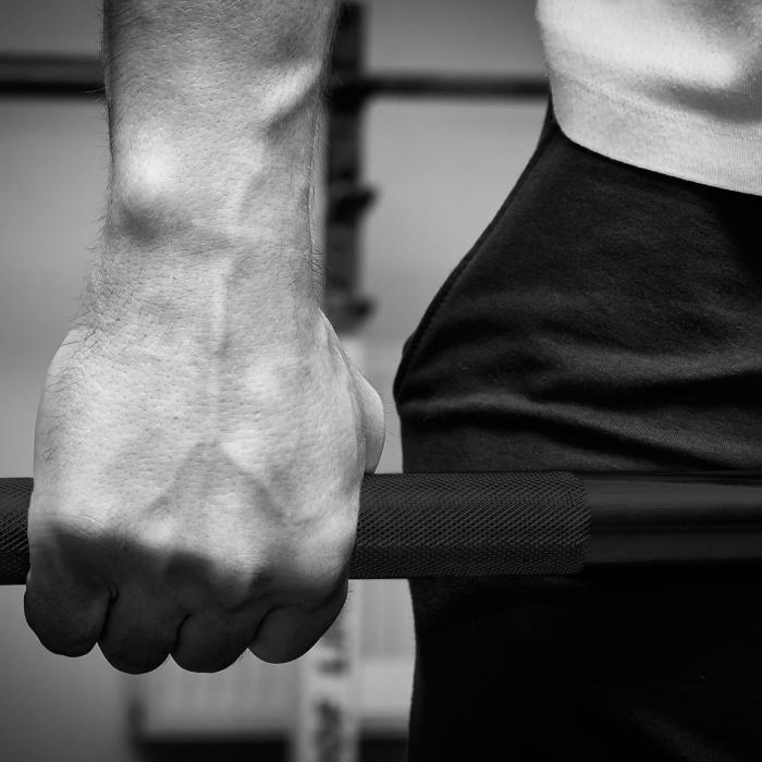 Bearbar Olympische Hantelstange Schwarz 20 kg